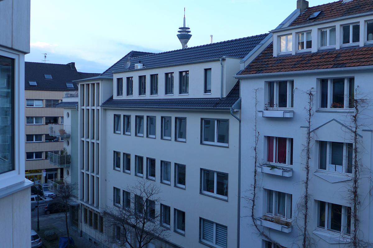 appartement mit 22 m wohnfl che in d sseldorf verkauft immobilienmakler solingen und. Black Bedroom Furniture Sets. Home Design Ideas