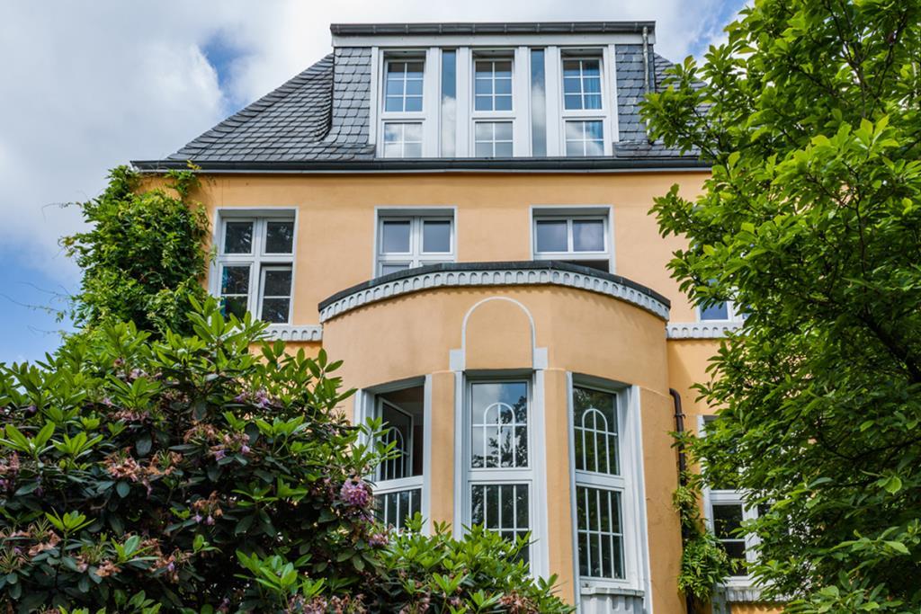 herrschaftliche villa mit viel platz charme und. Black Bedroom Furniture Sets. Home Design Ideas
