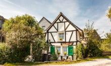 Immobilie in Solingen verkaufen? Wir sind der rihtige Ansprechpartner für den Verkauf Ihres Hauses oder Ihrer Wohnung. Sprechen Sie uns an und erhalten Sie eine kostenlose Immobilienbwertung / Wertermittlung Ihrer Immobilie oder Ihres Grundstücks.