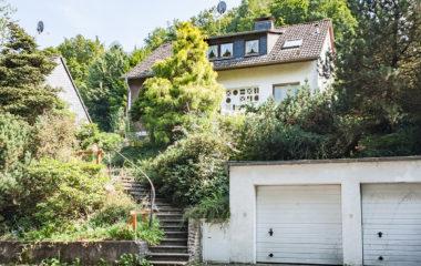 Einfamilienhaus mit guter Bausubstanz, viel Platz und Potenzial in grüner Wohnlage