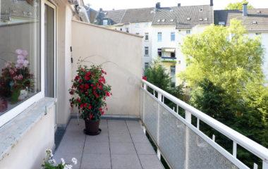 Gut geschnittene 3-Zimmer-Etagenwohnung mit Balkon und Charme
