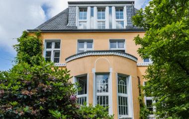 Herrschaftliche Villa mit viel Platz, Charme und traumhaftem Garten