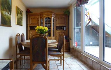 Tolle Sonnenloggia plus 86 m² große 2-Zimmer-Wohnung mit eigener Garage und mehr!